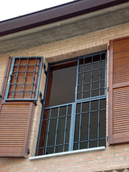 Inferriate di sicurezza reggio emilia vendita - Grate di sicurezza per finestre ...