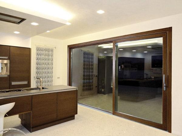 Serramenti in legno reggio emilia installazione montaggio for Preventivo finestre alluminio